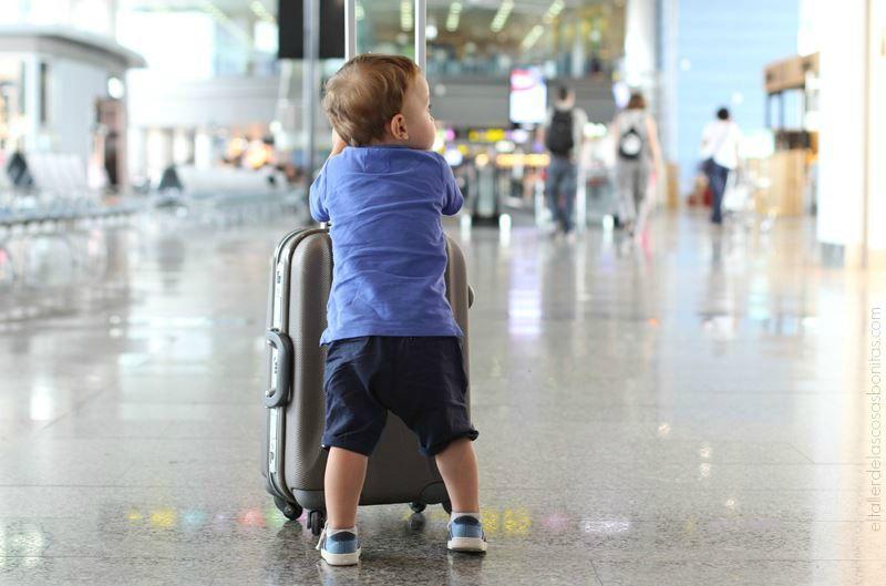 consejos viajar en avion con niños 02