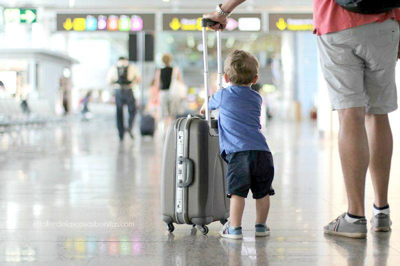 consejos viajar en avion con niños 04
