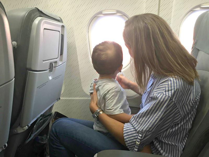 consejos viajar en avion con niños 06