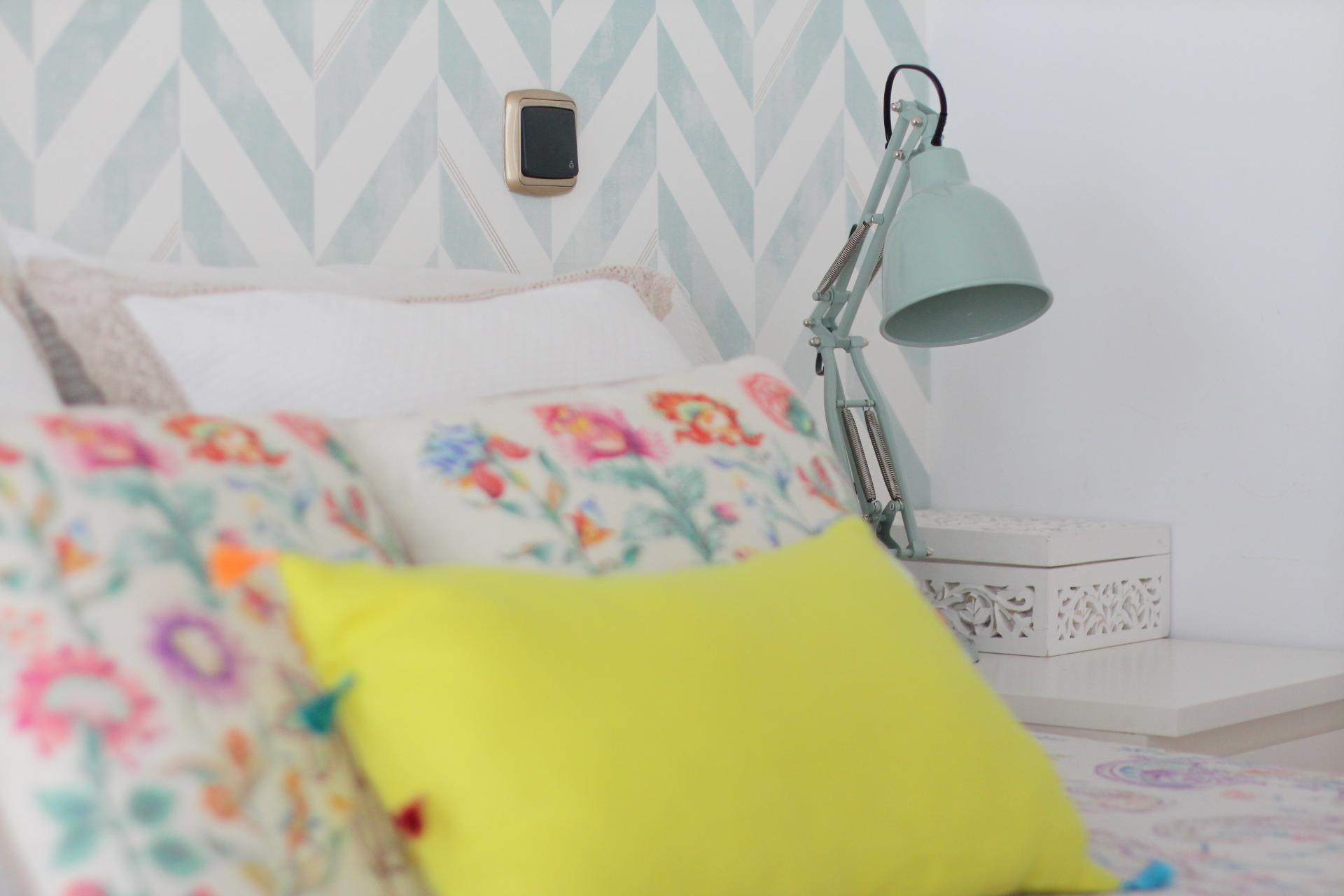 C mo decorar una habitaci n de matrimonio con papel Papeles vinilicos para dormitorios