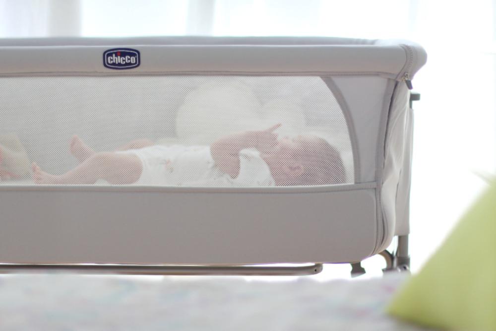 mini-cuna-colecho-para-bebe-chicco-07