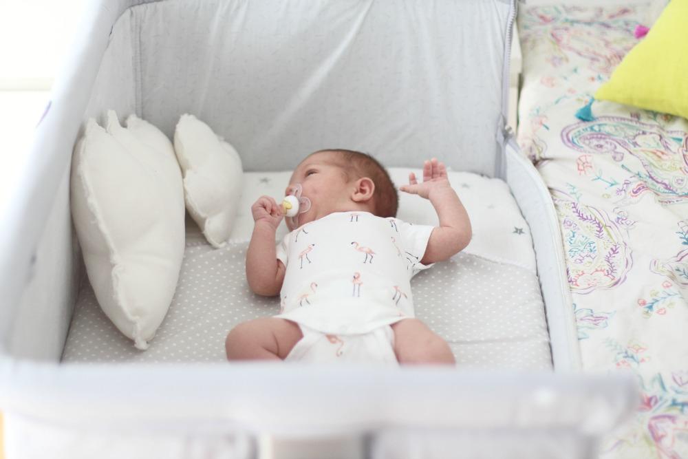 mini-cuna-colecho-para-bebe-chicco-10