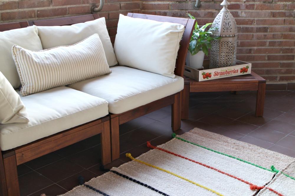 C mo amueblar y decorar una terraza seg n su uso el taller de las cosas bonitas - Alfombra yute ikea ...